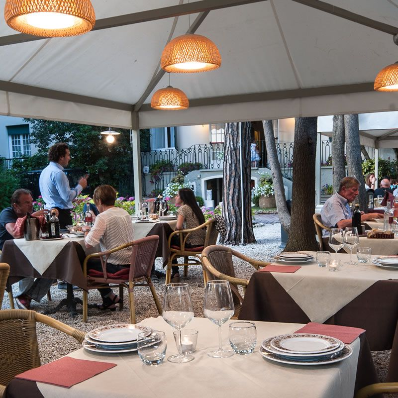Hotel with restaurant in Lido di Camaiore
