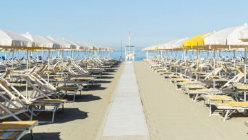 Tuscany beach offer April and May 2020